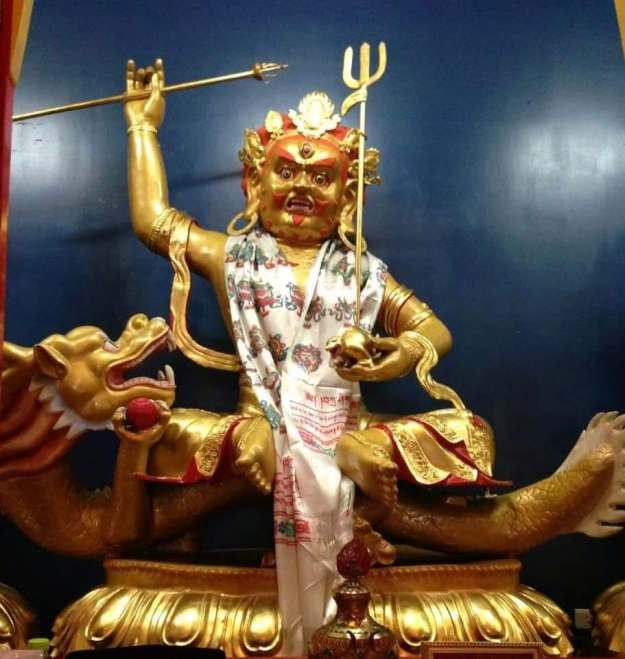 台中直貢寶積林西藏五路財神寺 白財神 五方佛